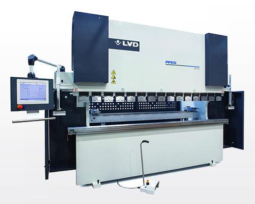 黄石折弯机往往能进行钣金折弯工作中,是由于机器设备中有液压油缸造成的工作压力做为推动力,